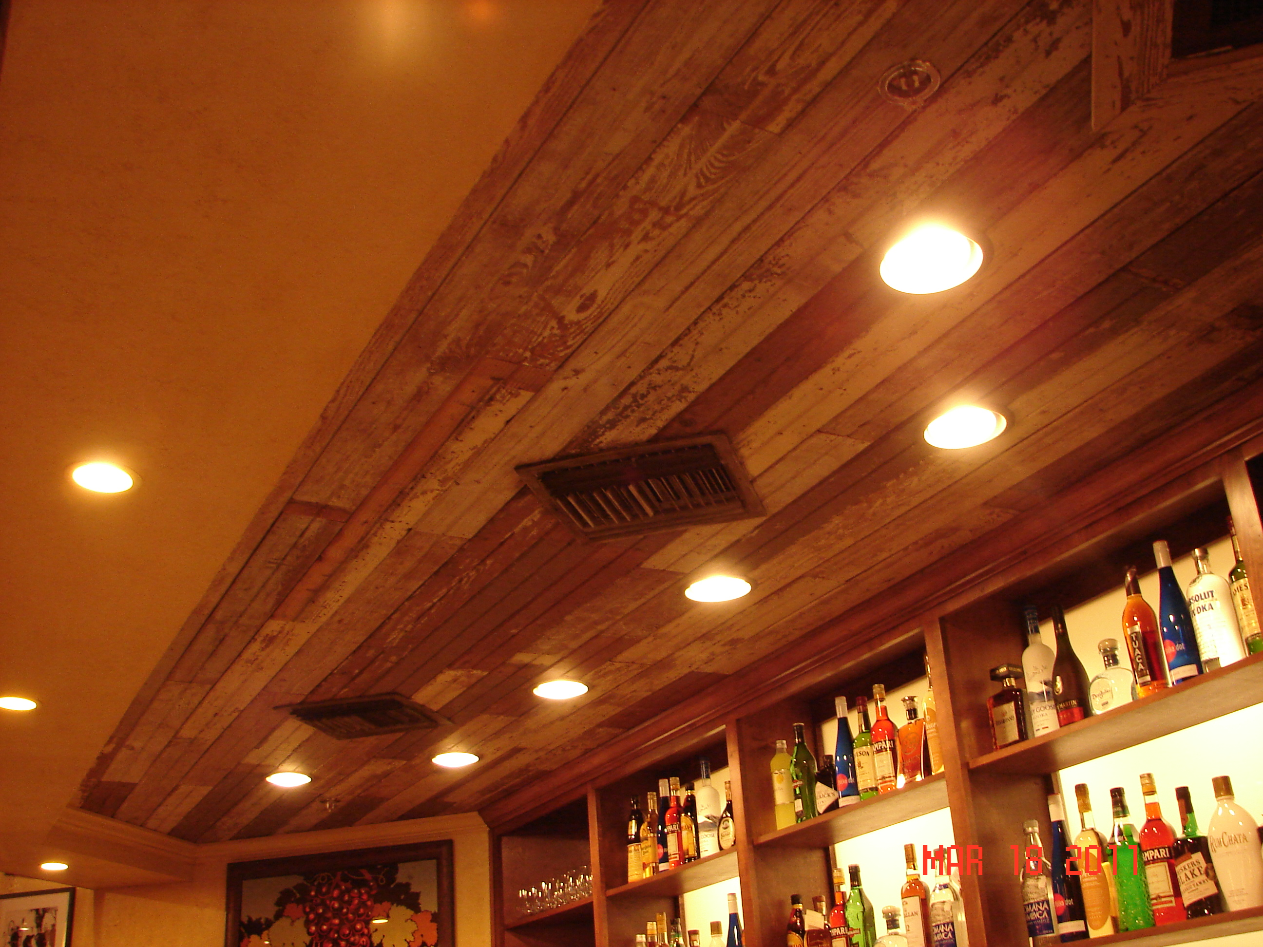 Tabella Restaurant Hattiesburg Distressed Ceiling Finishes